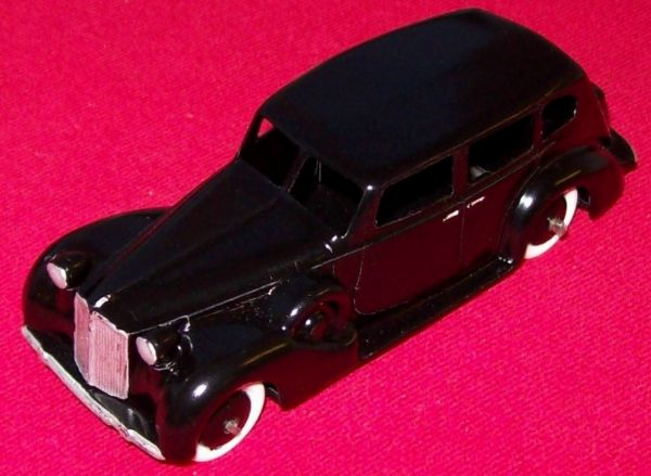 A DINKY TOYS COPY MODEL 39A PACKARD 8 TOURING SEDAN IN BLACK